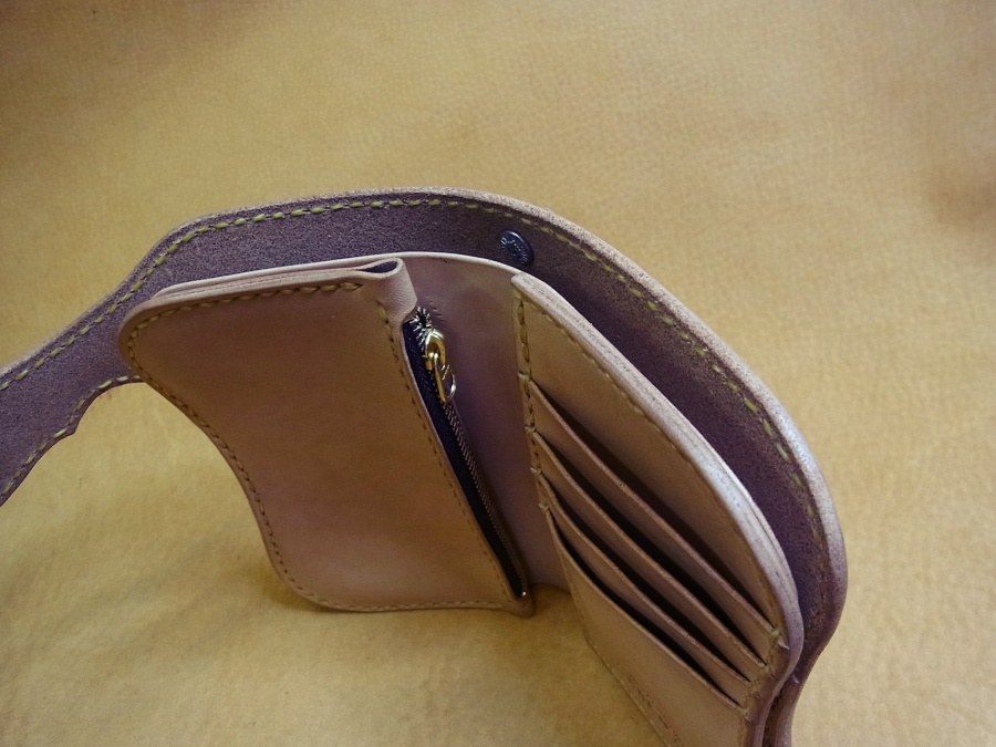 ミドルウォレット(2つ折財布)