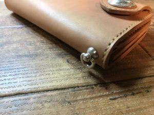 総手縫い(シニュー糸)
