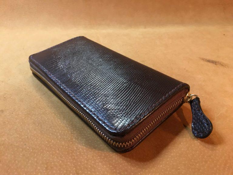 トカゲ革ラウンドファスナー財布