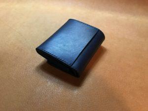 がま口の2つ折革財布